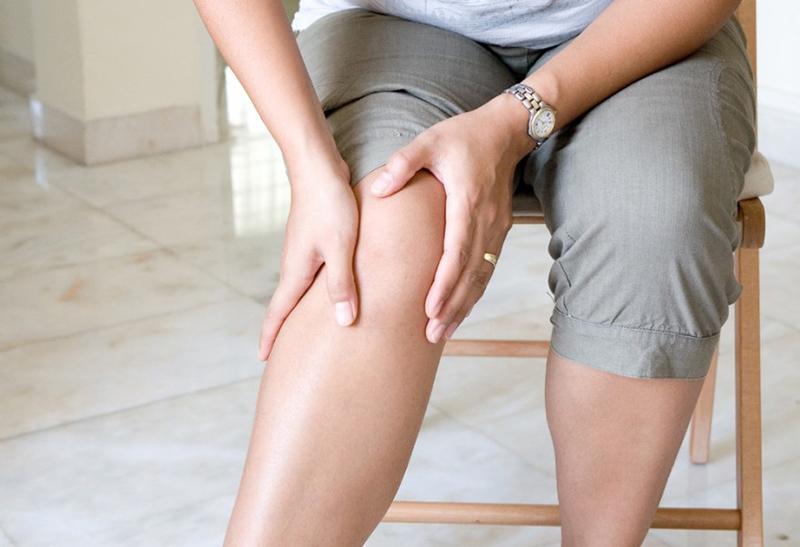 Боли коленных суставов на непогоду йога для лечения заболеваний суставов